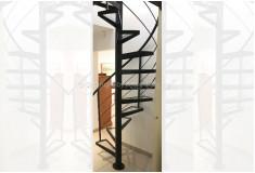 Escada Caracol Frenjach Metal Vidro Preto
